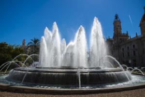 Fotoreis Valencia de fontein voor het gemeentehuis.